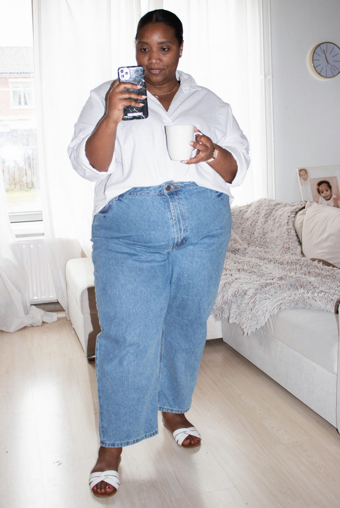 Plus-size Classic Outfit, Mom Jeans & Linen Shirt