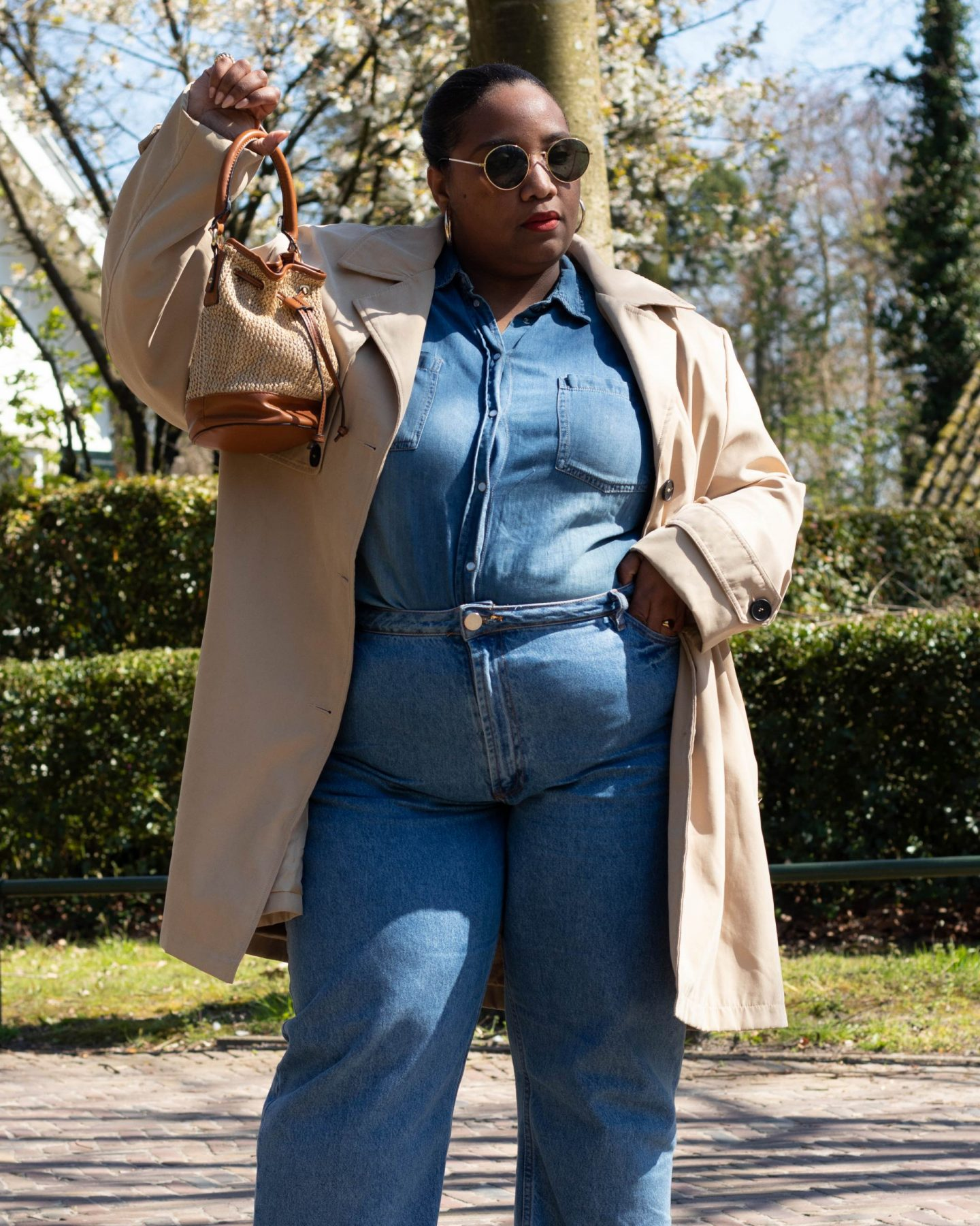 Plus-size Spring Trench Coat & Jeans